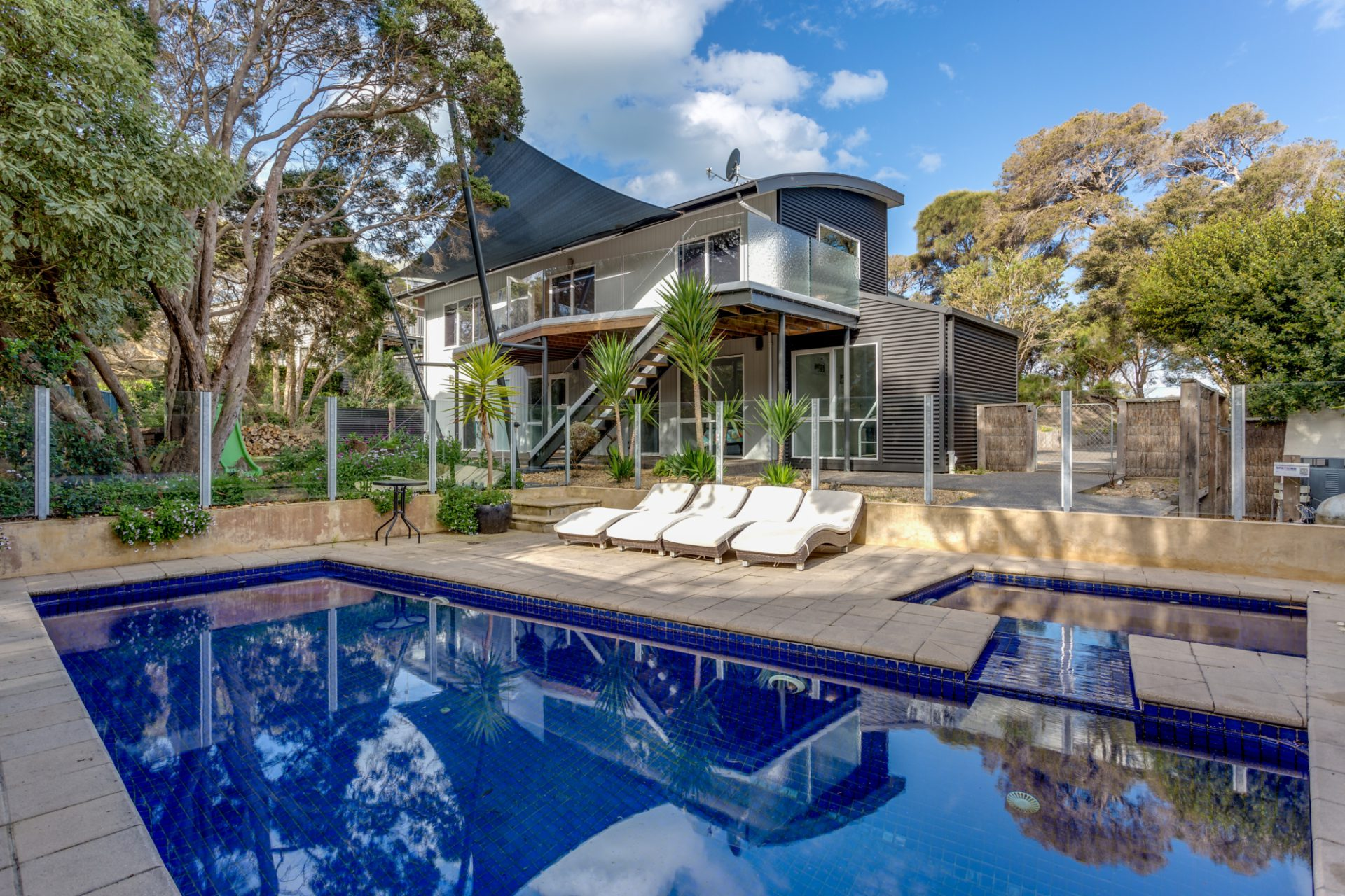 FIRST SETTLEMENT DRIVE LUXURY, SORRENTO (S405269411) BOOK NOW FOR SUMMER BEFORE YOU MISS OUT